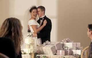 Речь при дарении подарка на свадьбе. Вручение прикольных предметов в подарок и шуточные поздравления на свадьбу