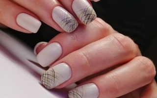 Белый френч с паутиной. Дизайн «Паутинка»: оригинальные фото-идеи маникюра. Как сделать ринунок на ногтях иголкой