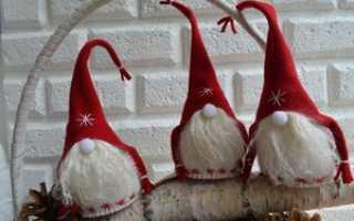 Новогодние гномы: из ткани, фетра, капрона. Как сшить гнома из старого свитера Как сделать гнома новогоднего из носок