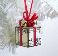 Как сделать из бумаги и картона игрушку. Новогодние игрушки из бумаги. Бумажные шишки для украшения ели