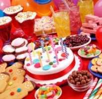 Блюда для дня рождения ребенка дома. Советы по составлению меню и украшению детского стола на день рождения