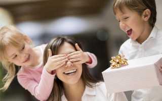Что мама может подарить на день рождения. Что подарить маме на юбилей? Рекомендации и варианты подарков