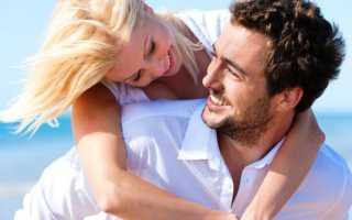 Почему парень нюхает шею и волосы. сигналов языка тела влюблённого мужчины. Он интенсивно жестикулирует