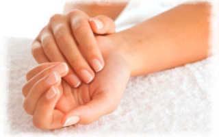 Почему трескаются пальцы руках что делать. Внутренние причины сухости кожи рук. Лечебные ванночки с оливковым маслом